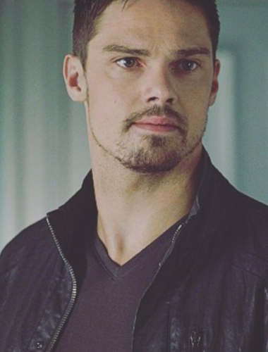 "Things You May Not Know About Vincent Keller- Beauty & the Beast's star ""Jay Ryan"""