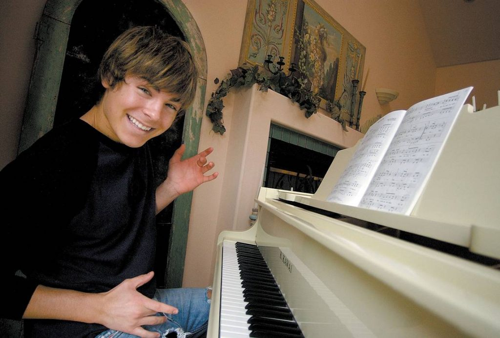 Zac Efron piano