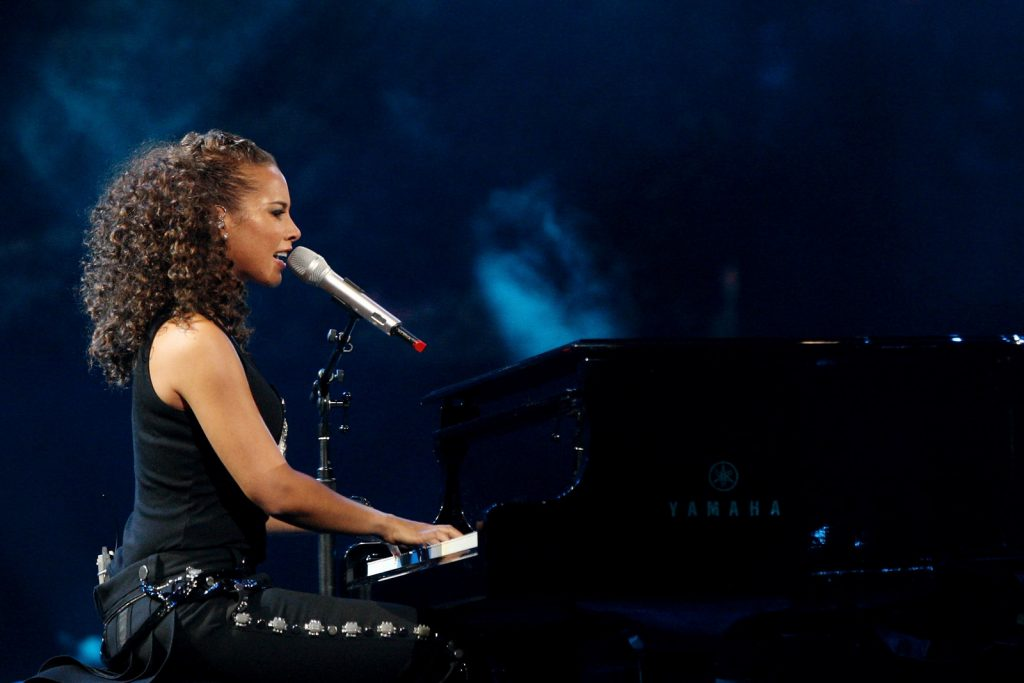 Alicia Keys piano