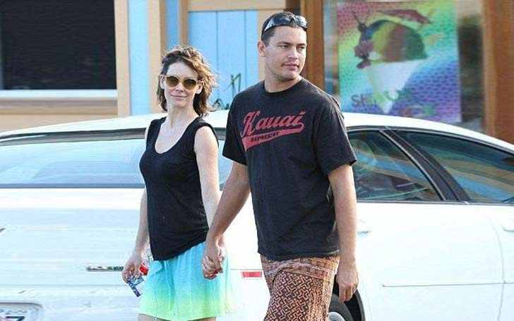 Norman Kali Strolling around the city with Partner Evangeline Lilly